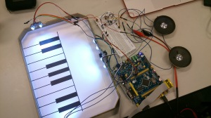 [cml_media_alt id='195']Electronic Piano with Virtual Keyboard [/cml_media_alt]